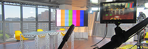 A videowall Christie MicroTiles enhances the direct program 'here in Madrid'