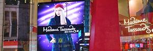 Una gran pantalla Led promociona el museo Madame Tussauds de Nueva York