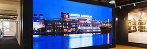 La firma deportiva Under Armour refuerza su imagen de marca con un videowall de Prysm