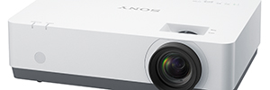 Sony expands its line of professional projectors for education, business, 3LCD