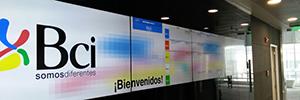 La Academia BCI de Chile dinamiza su sala de training con la cartelería digital de Wavetec