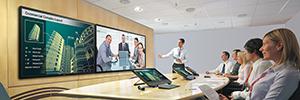 Sharp transforma el trabajo colaborativo con la pantalla capacitiva e interactiva PN-80TC3