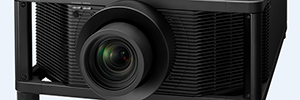 Sony VPL-VW5000ES: projector SXRD 4K source of laser light for flexible installations