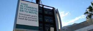 El Ayuntamiento de Cádiz reutiliza dos pantallas Led urbanas como videomarcadores en el estadio Carranza