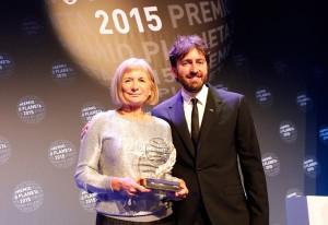 Alicia Gimenez Bartlett y Daniel Sanchez Arevalo ganadores Premio Planeta 2015