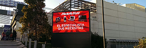 The Centre commercial Nassica Getafe receives to its customers from a screen Led outdoor