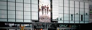 El centro comercial Kamppi sustituye su pantalla outdoor por una controlada con Matrox