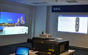 NEC jornada proyeccion