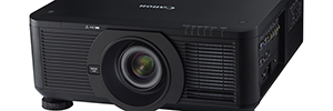 Canon expands its range of projection LV for education and business