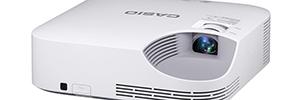 Casio acerca la ecoproyección sin lámpara al entorno de la educación con el XJ-V2