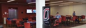 La Universidad de Omaha optimiza la comunicación en el campus con AG Neovo