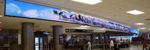 Face double Led display to show the wonders of Miami upon arrival at the airport to passengers