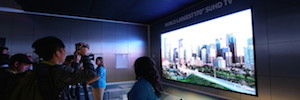 Samsung immerses the viewer into the content with a SUHD modular 170″