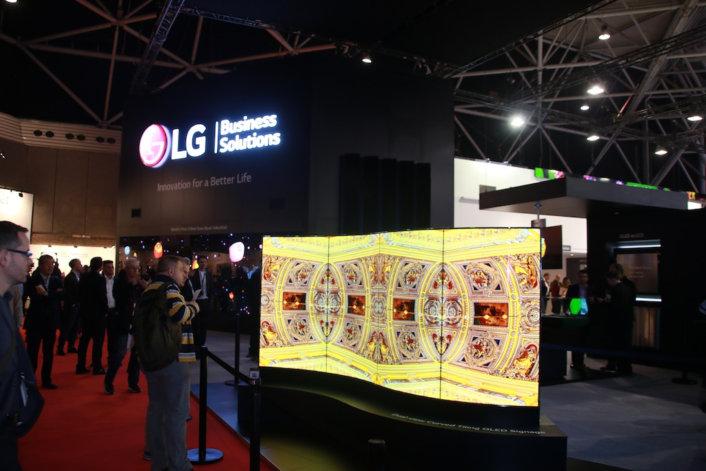LG displays at ISE 2016 their new 4K Display formats and ...