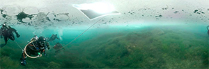 Experiencia inmersiva Virtual Ice Diving para sumergirse en las profundidades marinas