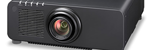Panasonic introduces its laser projector DLP 1-chip lighter and more compact