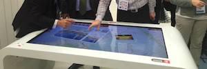 DigaliX fomenta el turismo en Barcelona con Interactive Tourism y la mesa multitouch XTable