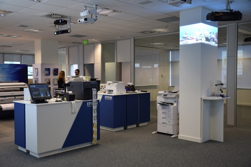 Epson abre una oficina en madrid para ayudar a las for Oficinas deutsche bank madrid capital