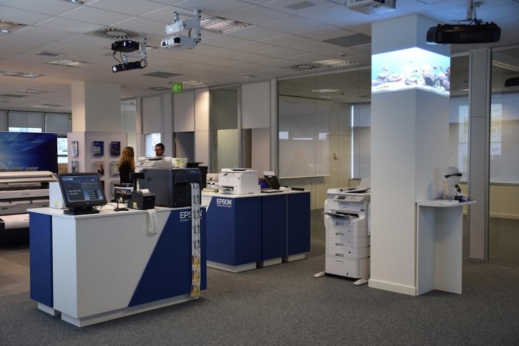 Epson abre una oficina en madrid para ayudar a las for Oficinas de openbank en madrid