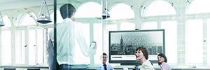 The combination of Crestron Fusion Cloud and PinPoint optimizes the productivity of meeting rooms