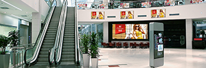 Panasonic Expands its offering of display for digital signage with the EF1 series