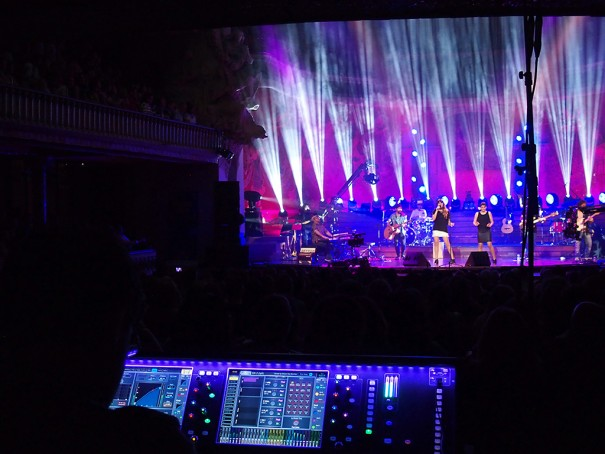 dLive concierto Rozalen en el Palau de la Musica