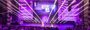 Los Duftstars Awards Berlín brillan con las cabezas móviles Platinum FLX de Elation
