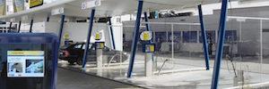 Zytronic aporta su tecnología PCT con funciones interactivas de digital signage al lavado de coches