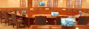 Microfonía y sistemas de conferencia de beyerdynamic en el Tribunal Supremo de Omán