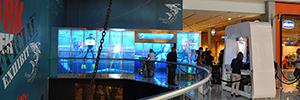 El Dubai Aquarium & Underwater Zoo utiliza técnicas AV para dar a conocer el mundo de los tiburones blancos