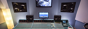 Jellyfish study expands its infrastructure of sound with the G80 de Neve Genesys console
