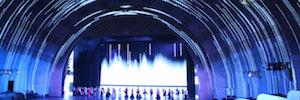 Radio City Rockettes recrea sus producciones con impresionantes mapping de proyección en vivo
