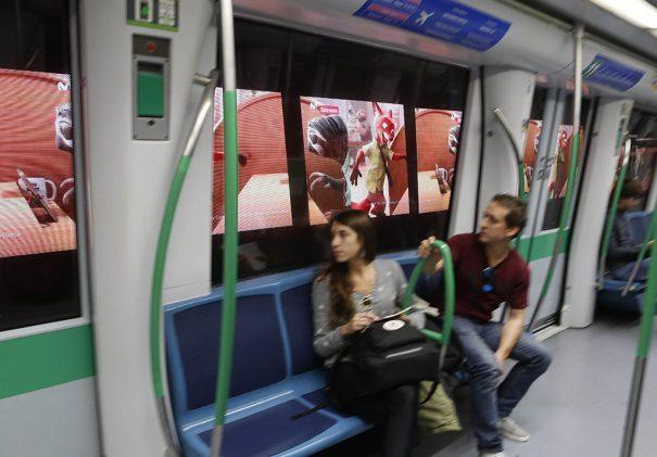 Metro Madrid publicidad dinamica Tres60, Telefonica y Adtrack