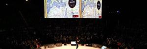 Un cubo de proyección, integrado por cuatro pantallas, preside el congreso de Mentes Brillantes