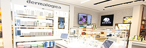 Estee Lauder creates a digital signage network to centralize its marketing activities