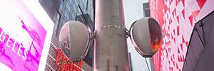 Deva ofreció una nueva línea de funcionalidad en una de las fechas más concurridas de Times Square