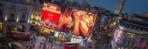 Daktronics designs Led a large screen 4K curve as a new image of Piccadilly Circus