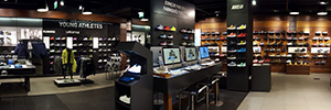 La tienda de Nike en París permite configurar las zapatillas deportivas utilizando la realidad aumentada