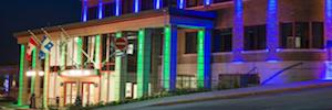 Iluminación Led arquitectónica de Elation en el ayuntamiento canadiense de Rouyn-Noranda