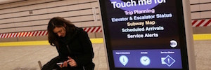 MTA On the Go suma a su red digital del Metro de Nueva York cuatro kioscos de doble pantalla