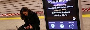 MTA On the Go suma a su red digital del Metro de Nueva York cuatro kioscos de doble pantalla