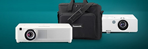 Panasonic LB y LW: proyectores portátiles para el aula y salas de reunión
