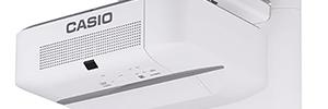 Ecoproyectores Casio XJ-UT351W y XJ-UT351WN para el entorno educativo