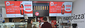 Maxipizza modernizes its signage system with a Digital Menu Board solution