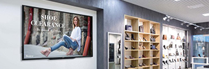 Sharp PN-LE901: large LCD display for digital signage applications