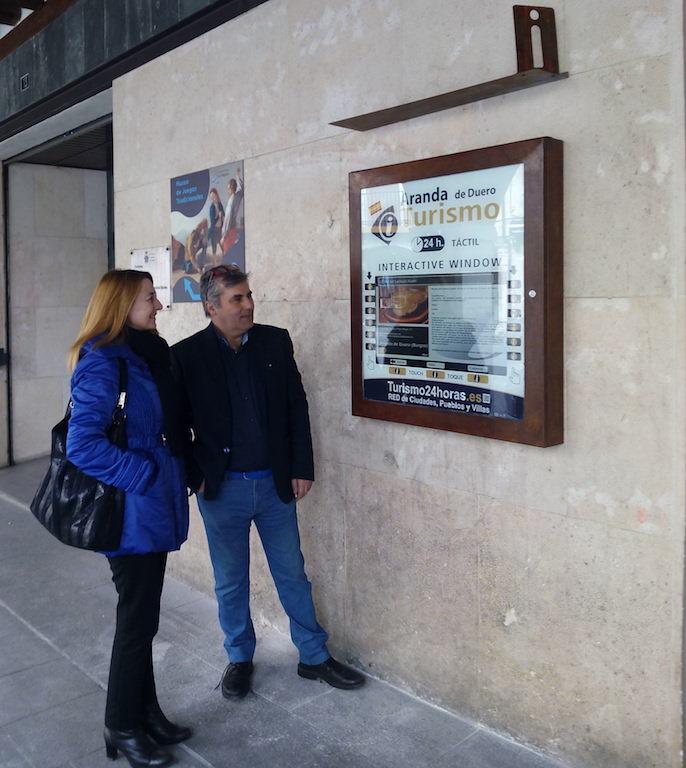 Turismo24horas expande rede de monitores de turismo for Oficina turismo burgos