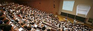La Universidad de Stuttgart moderniza sus medios AV ayudada por la tecnología de Crestron