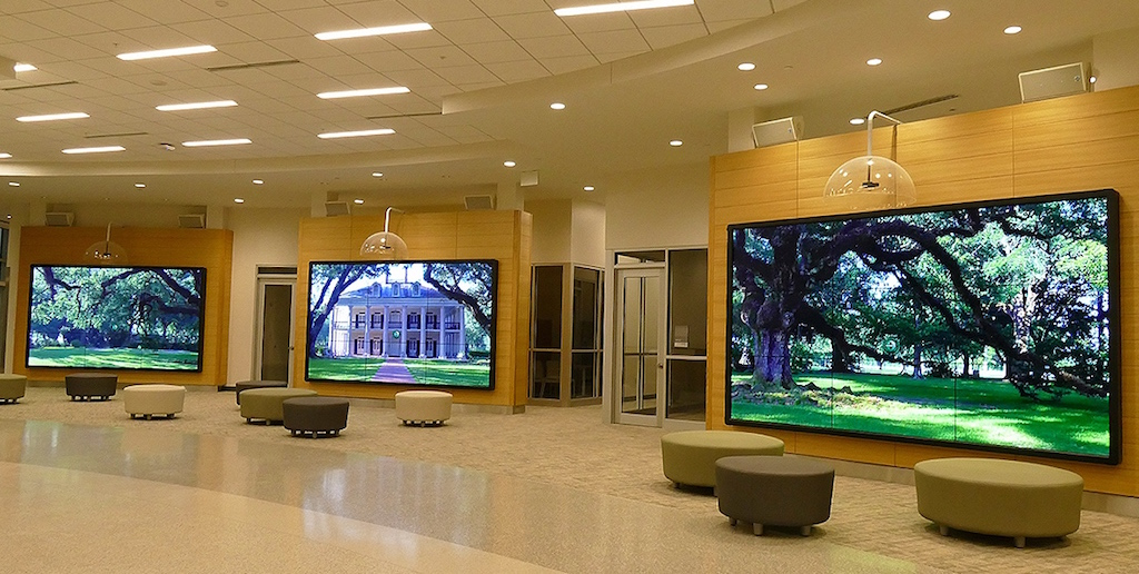 Three interactive video wall to provide a relaxing
