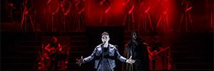 Juana de Arco cobra vida en el Newman Theatre iluminada con los equipos de Elation
