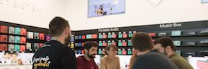 Las tiendas se convierten en las nuevas aulas para mejorar las competencias digitales